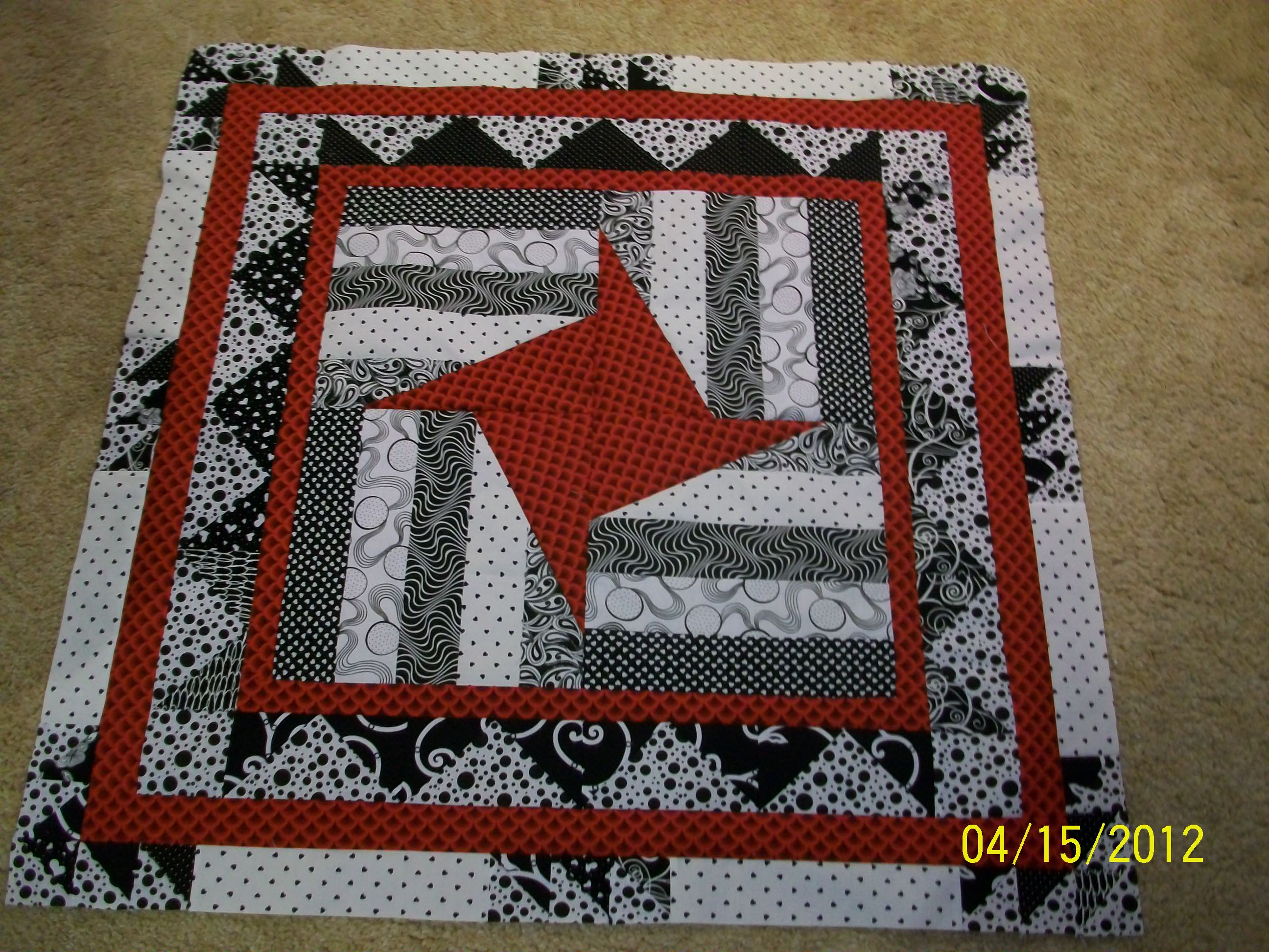 Name:  Mystery Quilt 001 (2).JPG Views: 363 Size:  829.1 KB