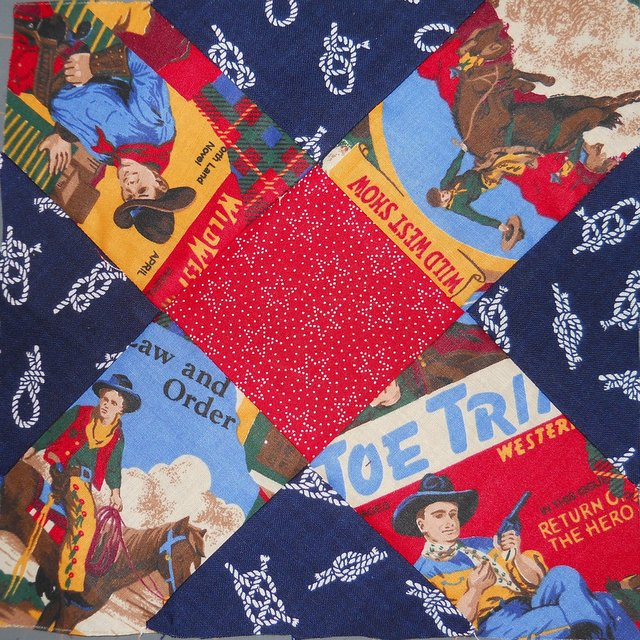 Name:  Maud'sAlbumQuilt.JPG