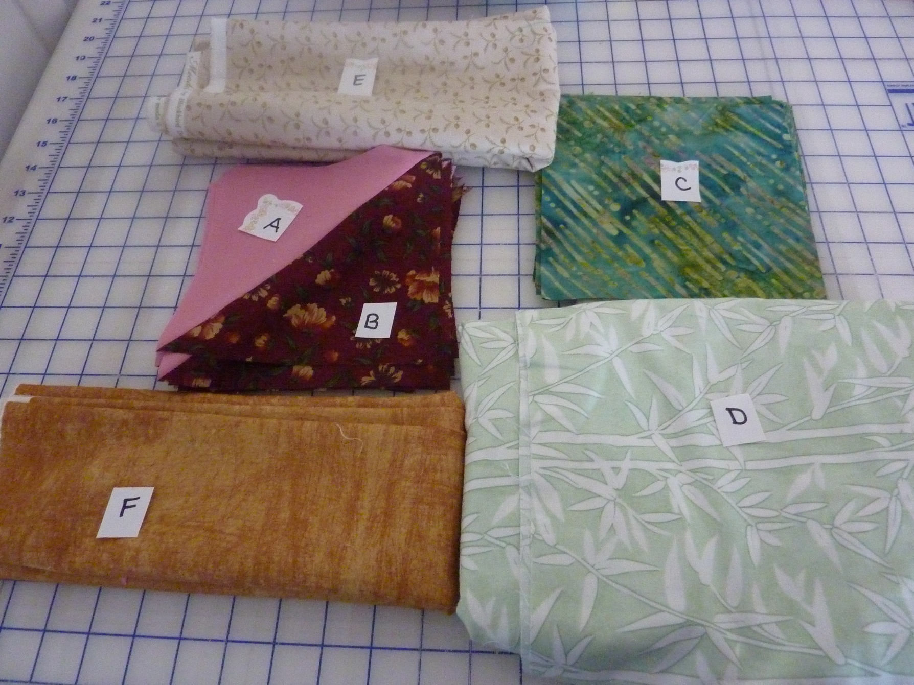 Name:  Mystery quilt Train Ride #3.jpg Views: 319 Size:  1.25 MB