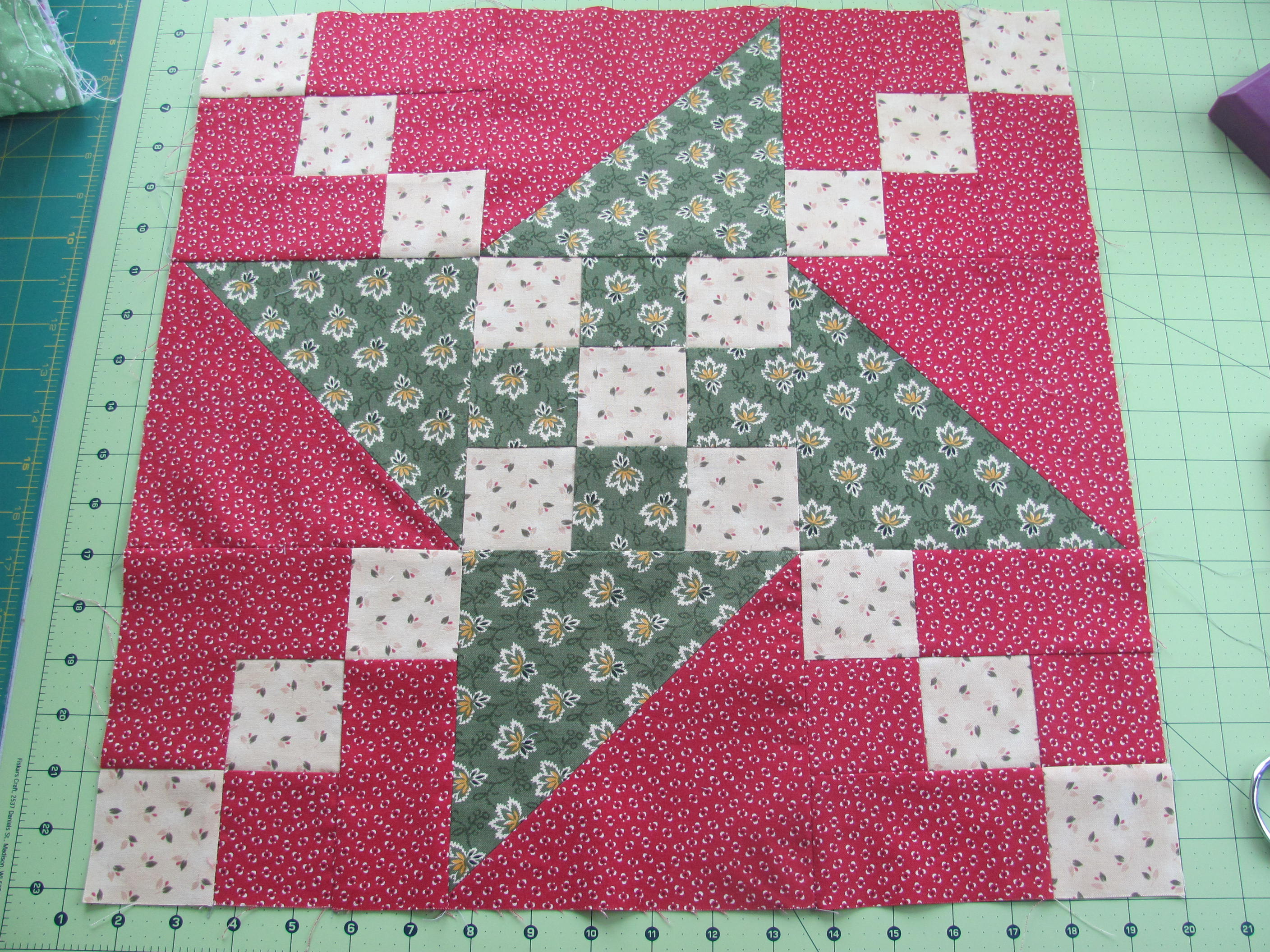 Name:  Mystery Quilt 001.JPG