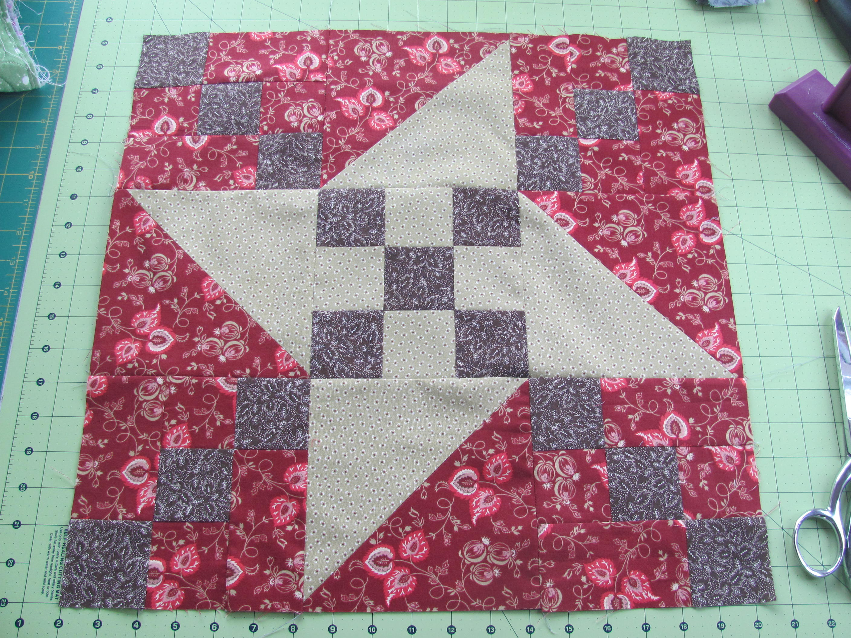 Name:  Mystery Quilt 002.JPG