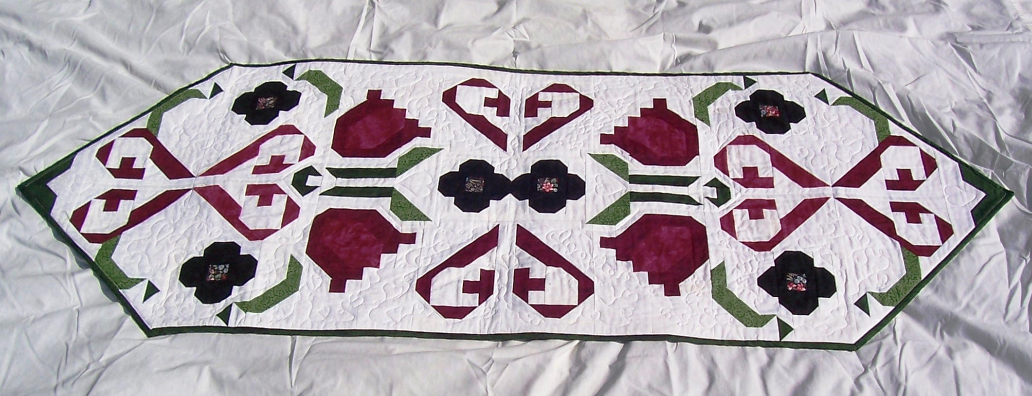 Name:  PA Dutch Table Runner.jpg