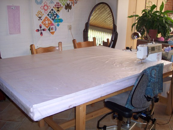 Name:  quilting table (576 x 432).jpg Views: 80 Size:  60.4 KB