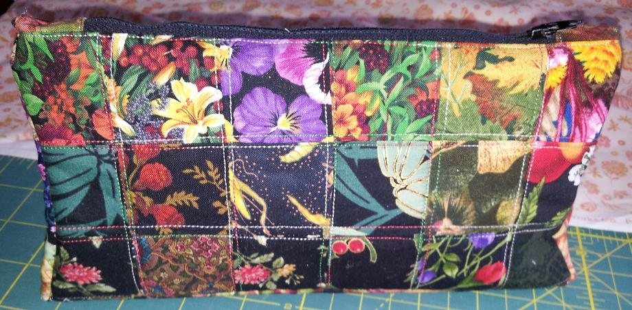 Name:  Pencil case quilting kit closed.JPG Views: 1151 Size:  119.4 KB