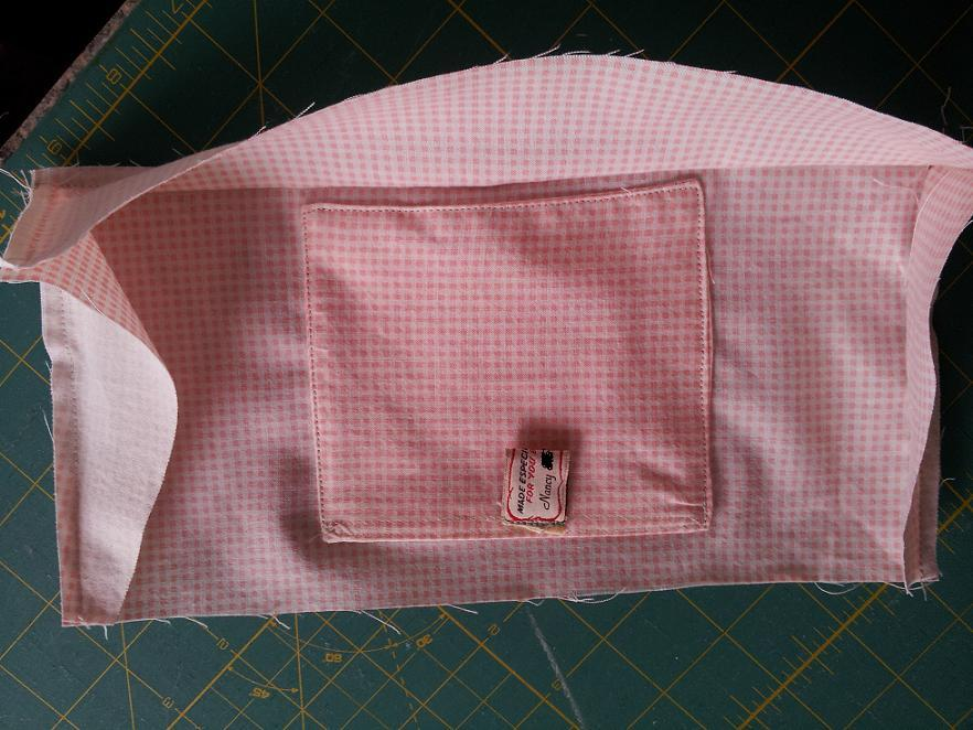 Name:  lining w pocket closed with velcro and name tag for pull for posting.JPG Views: 971 Size:  105.9 KB