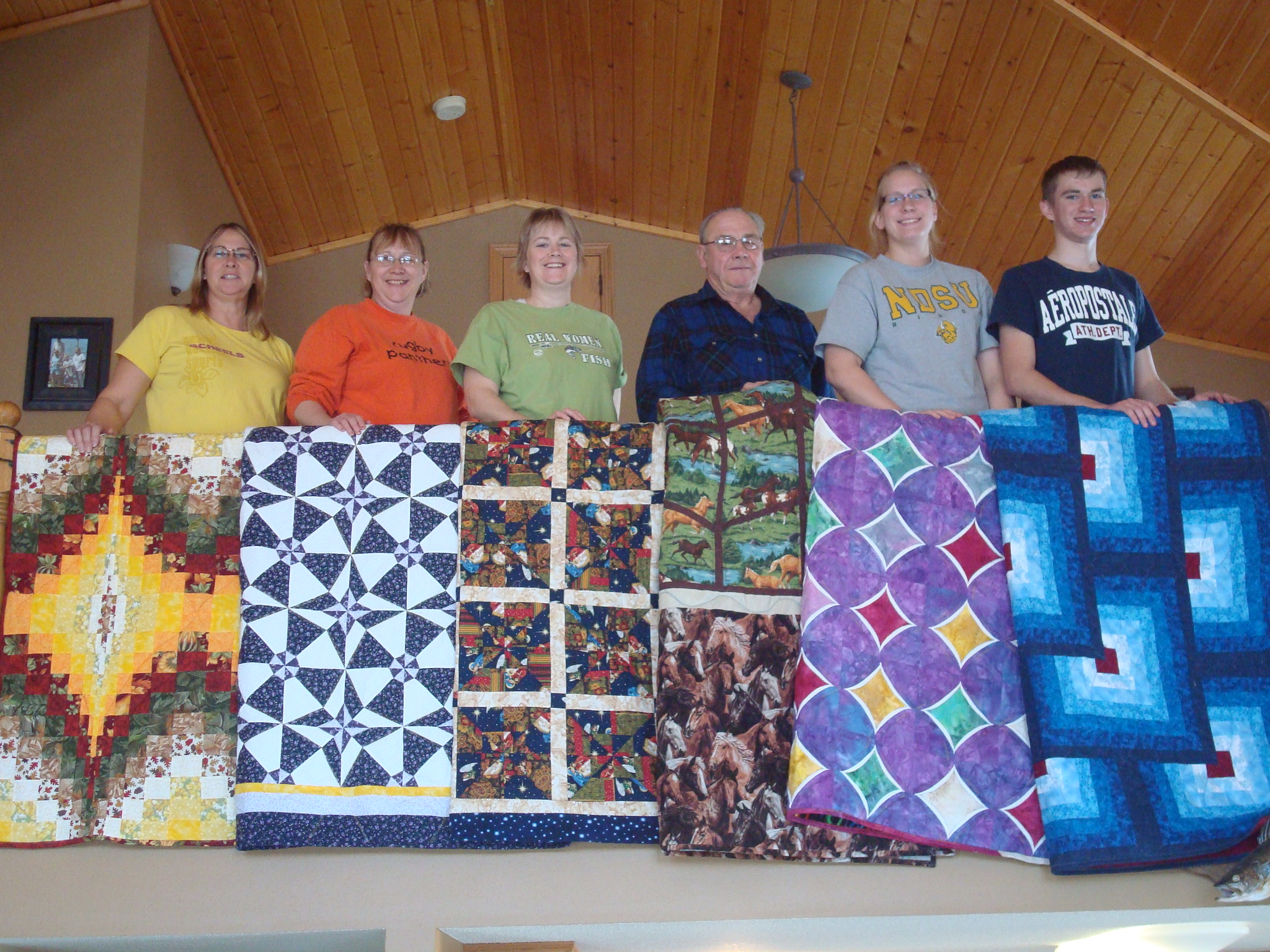 Name:  2011-12-31-Christmas at the lake-6 quilt recipients.jpg