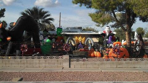 Name:  sneak peek halloween.jpg Views: 203 Size:  50.3 KB