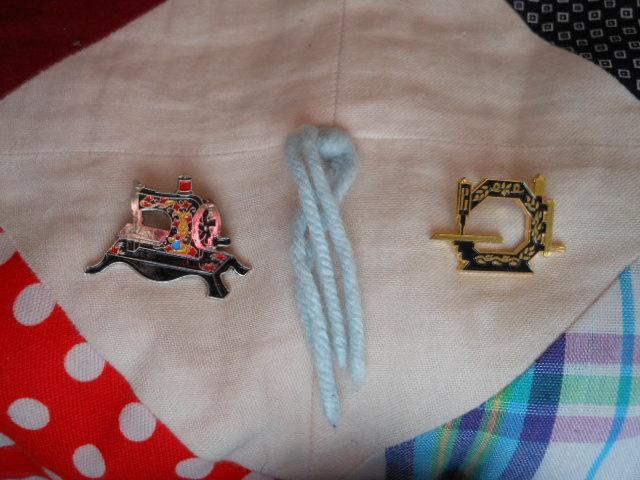 Name:  sewing machine pins 003.JPG Views: 228 Size:  125.4 KB