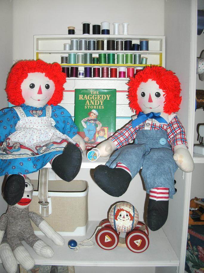 Name:  Ann and Andy dolls, flowers 012.JPG