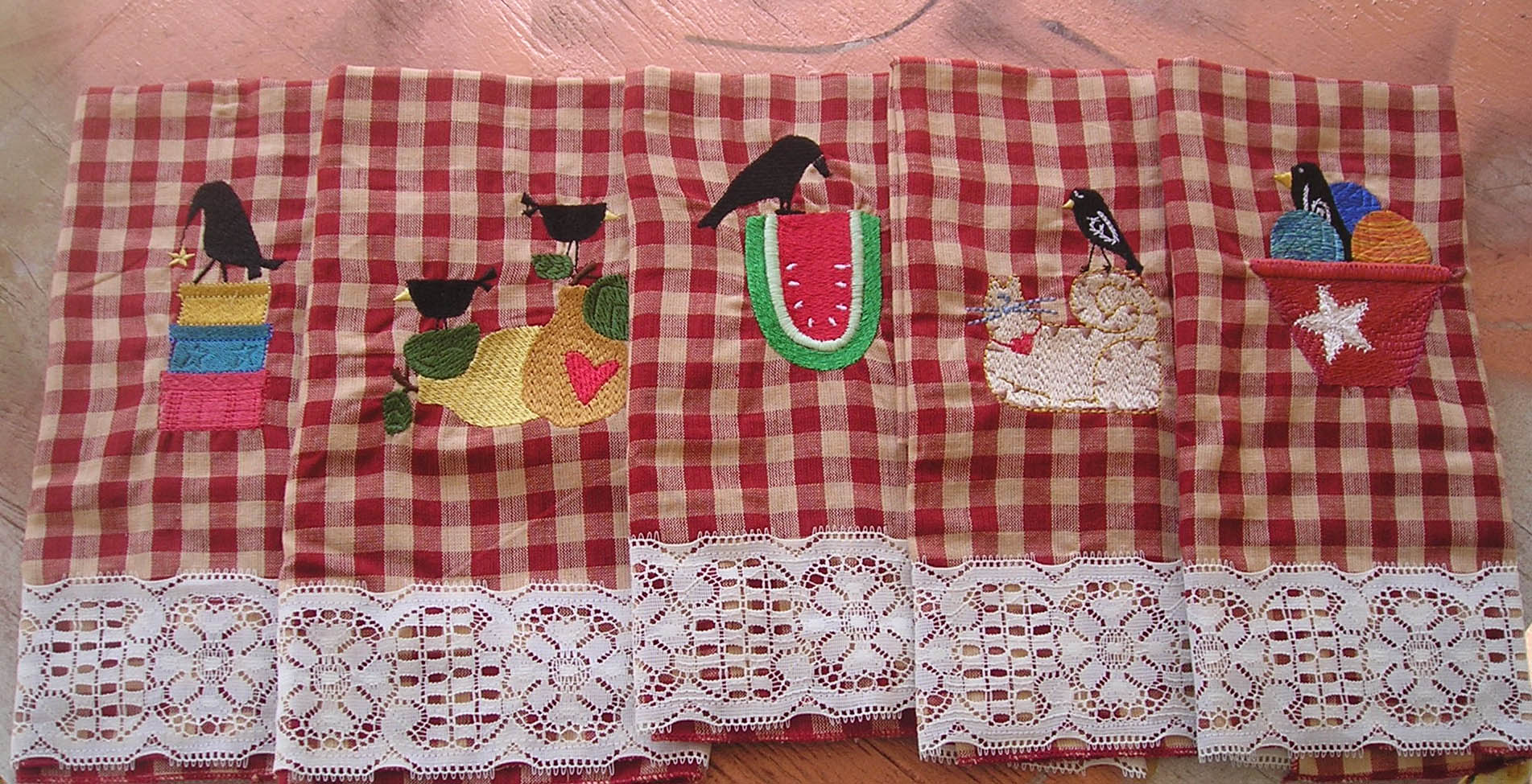 Name:  Country Primitive Crow Tea Towel Set 1.jpg Views: 596 Size:  405.2 KB