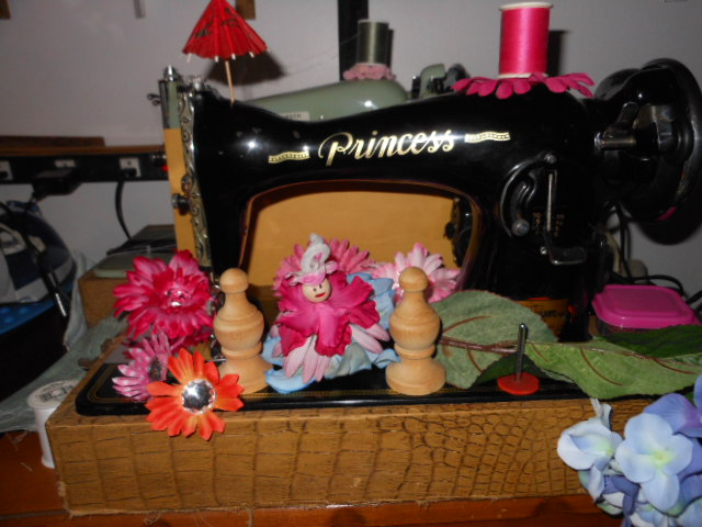 Name:  when fairies camp in the sewing machine shop 027.JPG