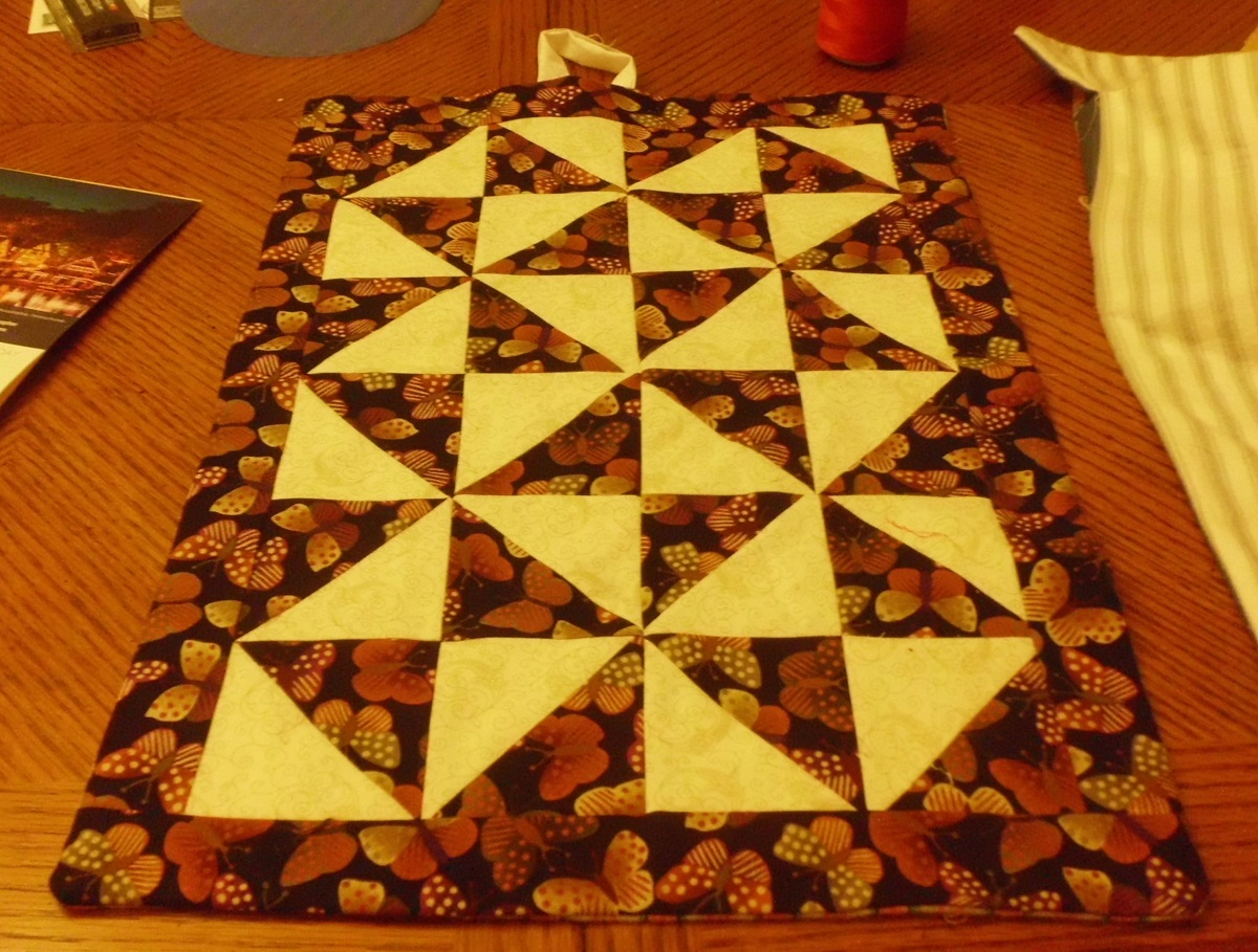 Click image for larger version.  Name:A doll quilt.jpg Views:480 Size:402.3 KB ID:499361
