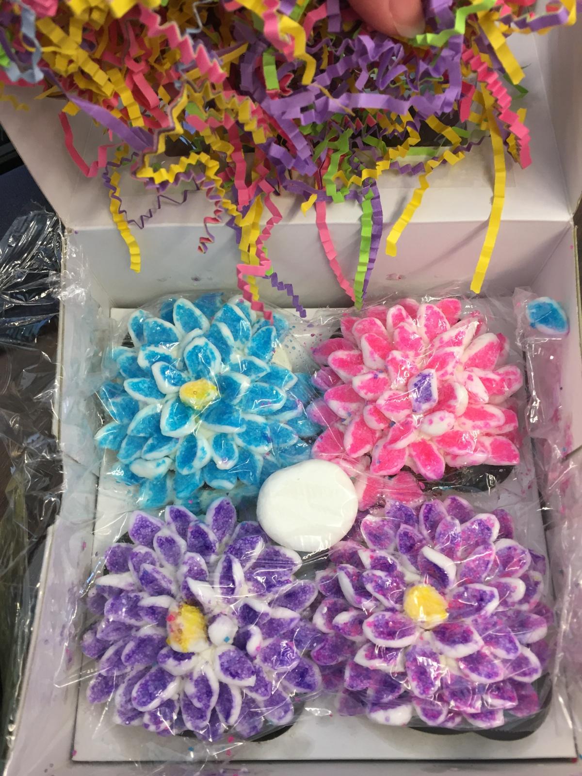 Name:  cupcake flowers.jpg Views: 1472 Size:  629.5 KB