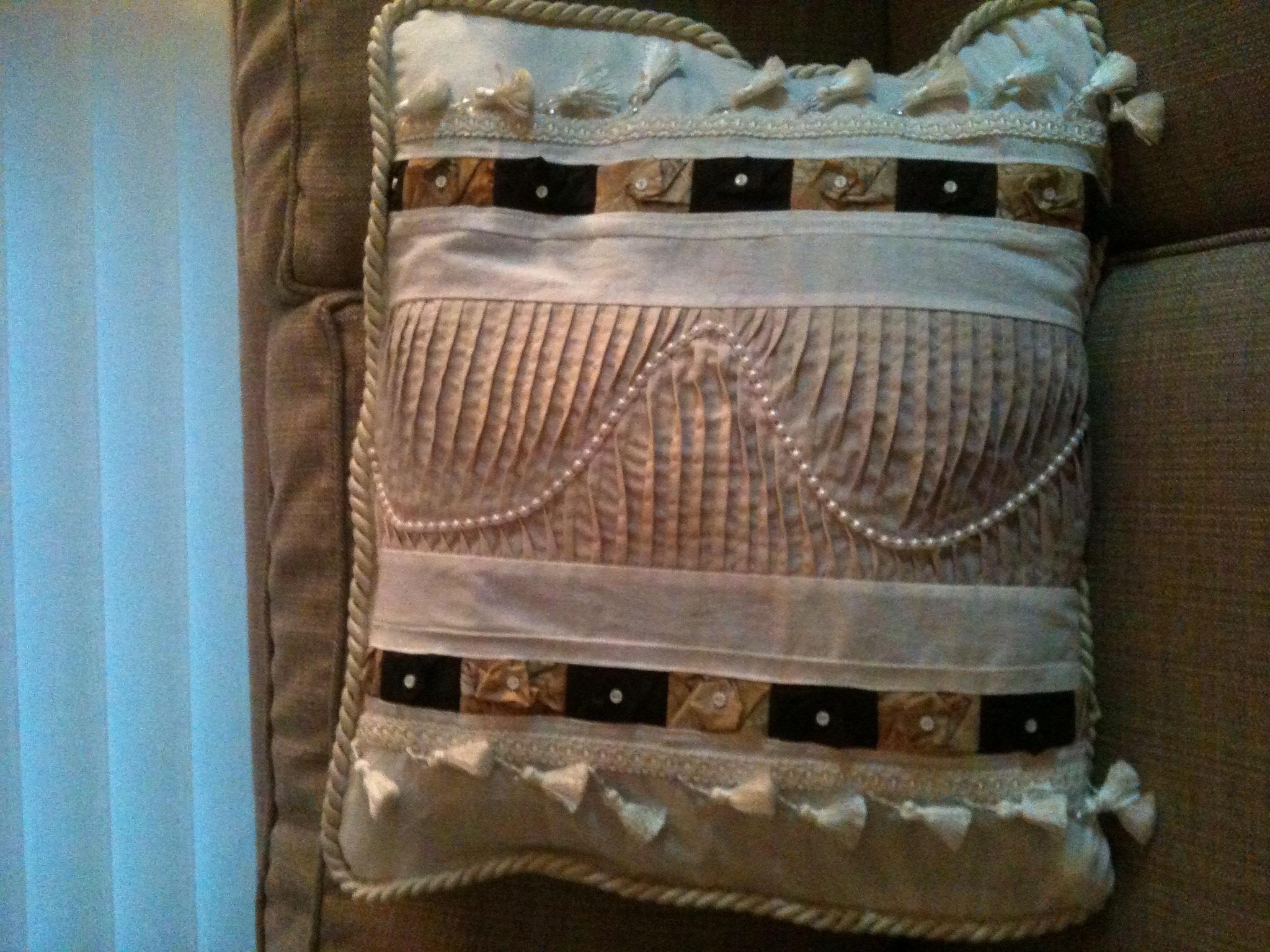 Name:  pillow.jpg Views: 1257 Size:  1.27 MB