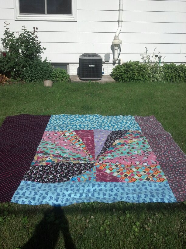 Name:  Arliss' quilt back.jpg