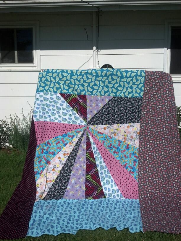Name:  Arliss' quilt front.jpg