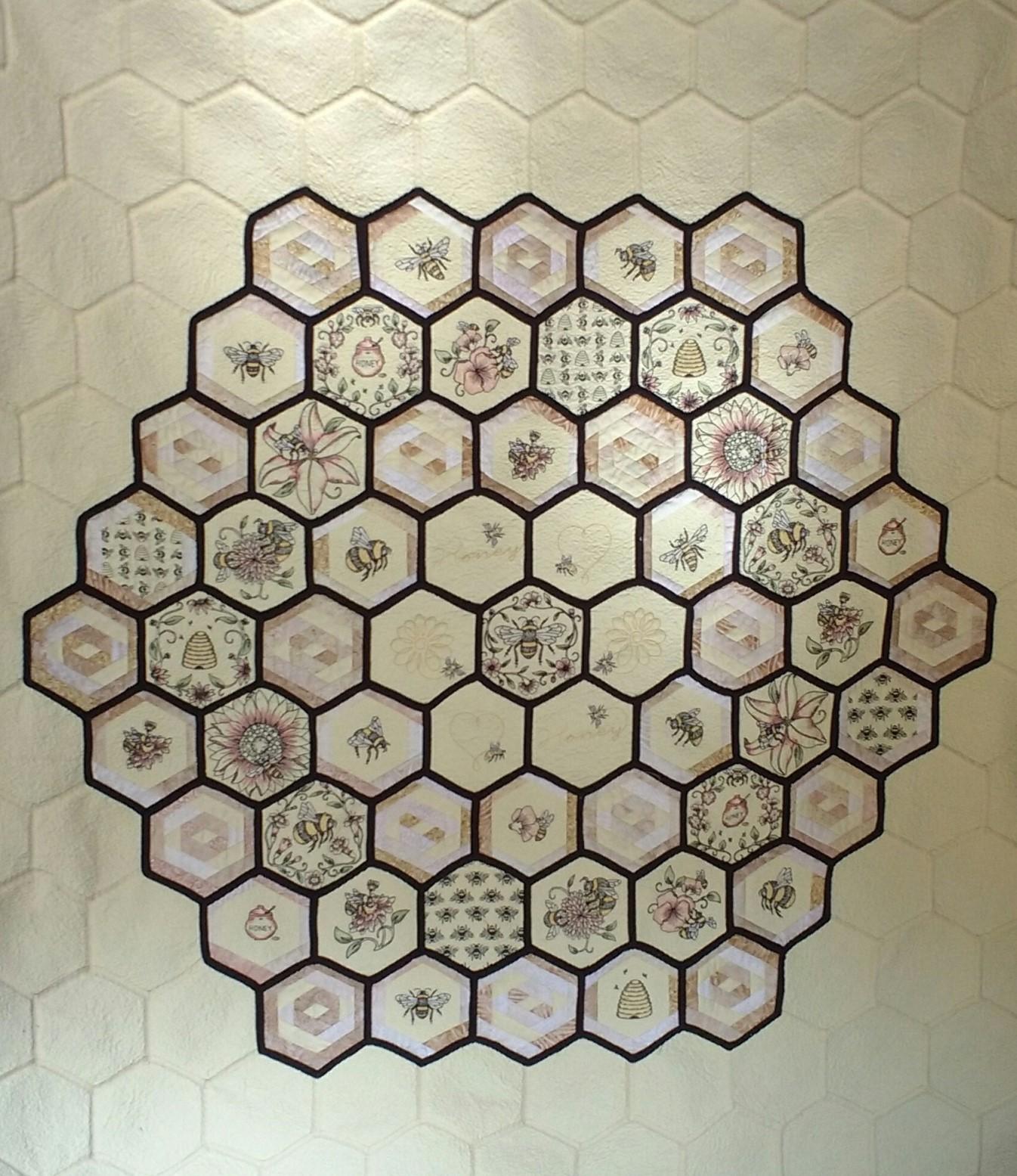 Name:  Honeycomb center.jpg Views: 364 Size:  475.8 KB
