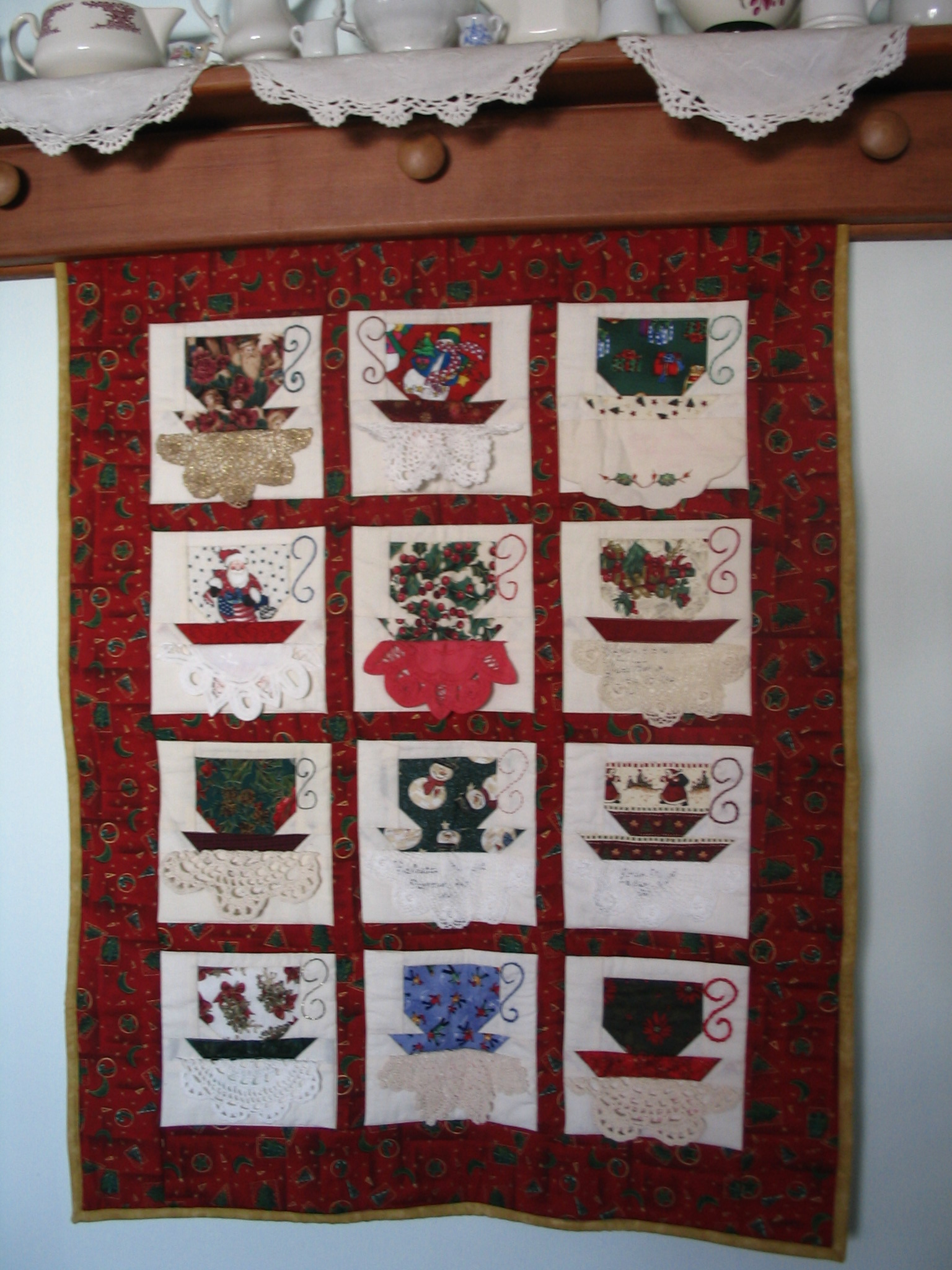 Name:  christmas tea cup quilt.JPG Views: 367 Size:  732.3 KB
