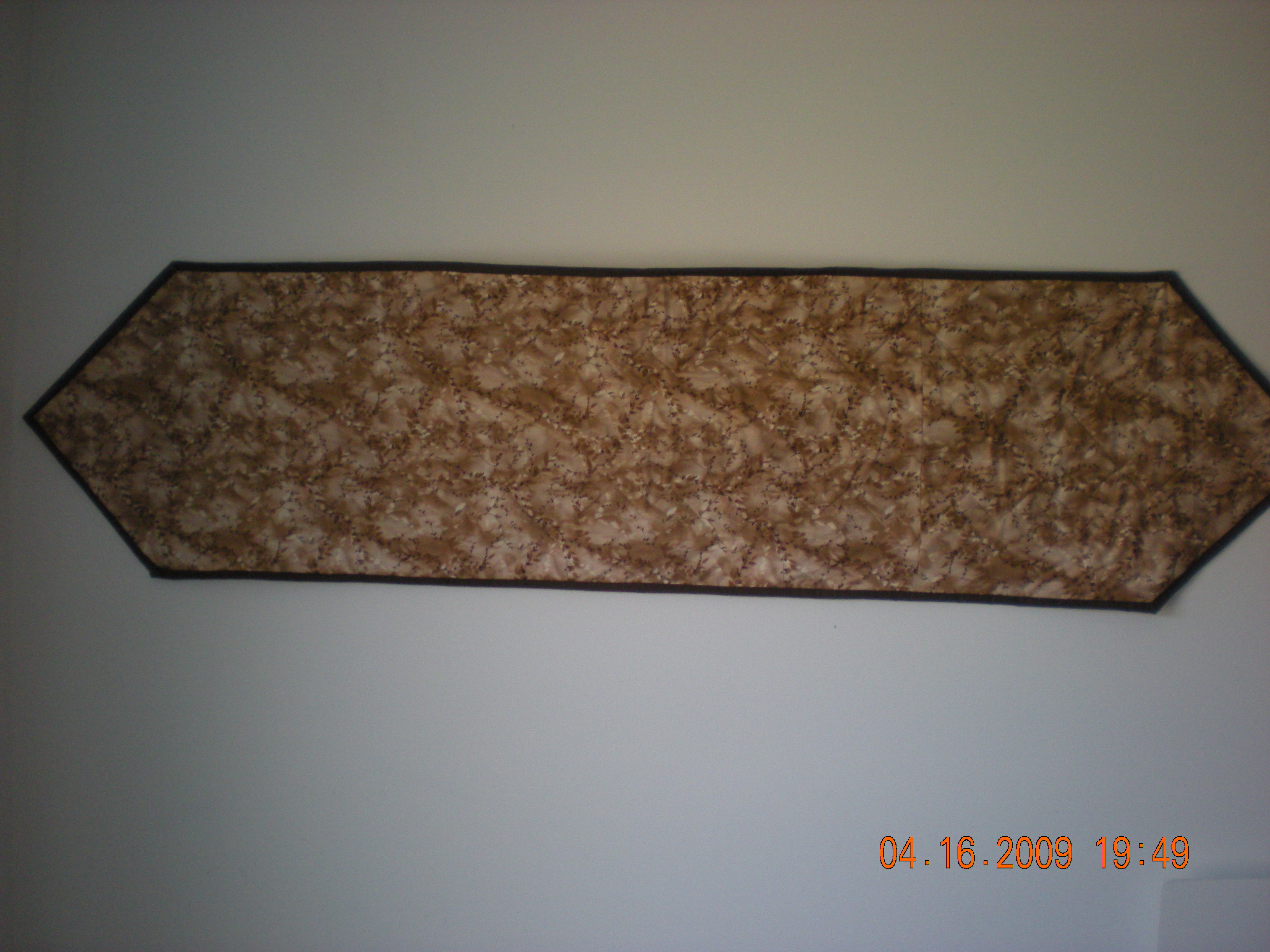 Name:  back of table runner.jpg