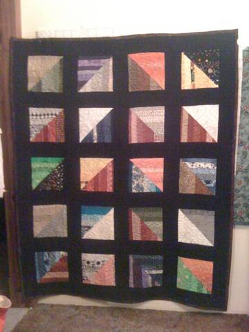 Name:  Stevens Scrappy string quilt.jpg