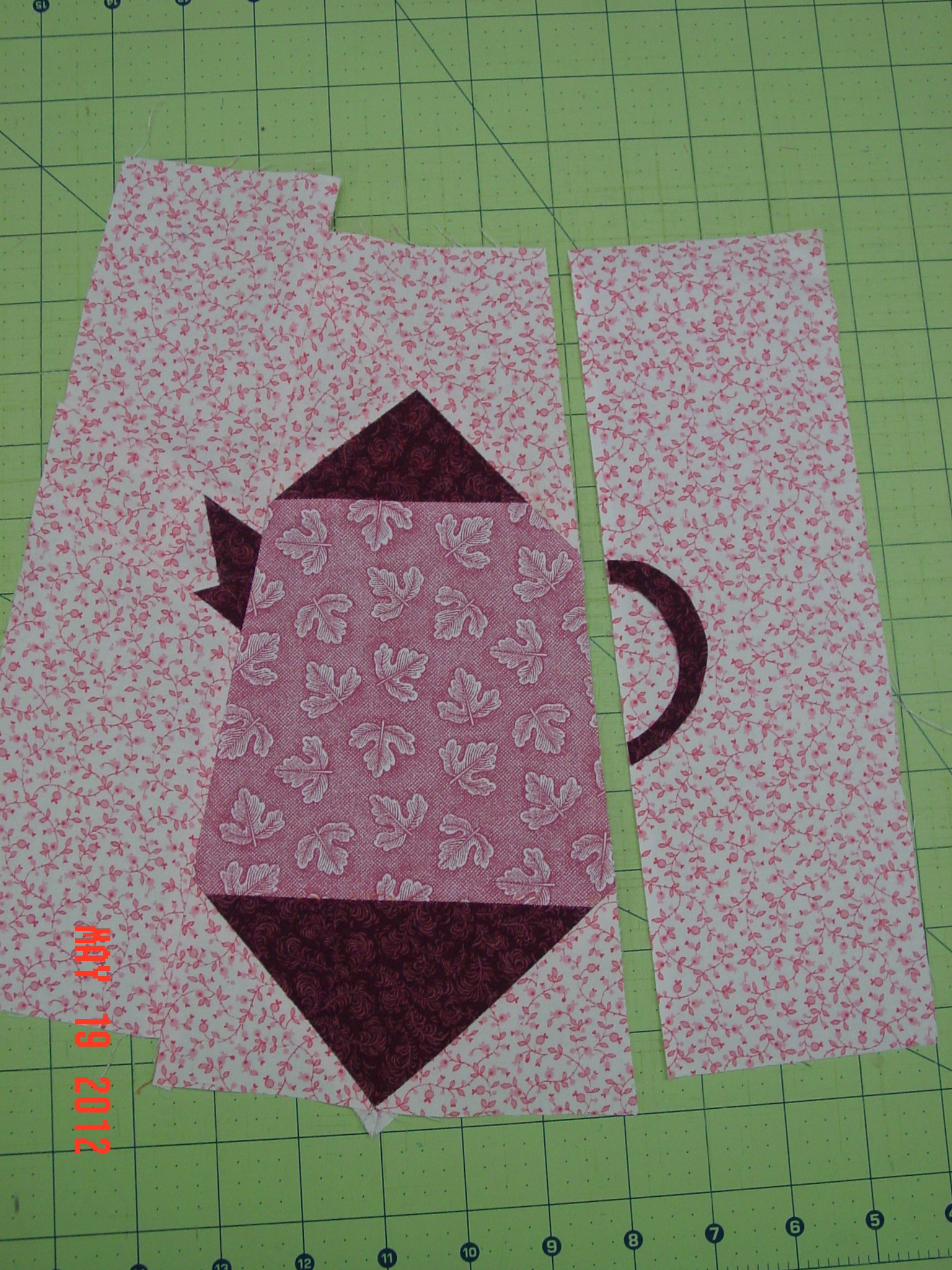 Name:  teapot, flowers, sandys quilt May 2012 020.JPG Views: 595 Size:  1.41 MB