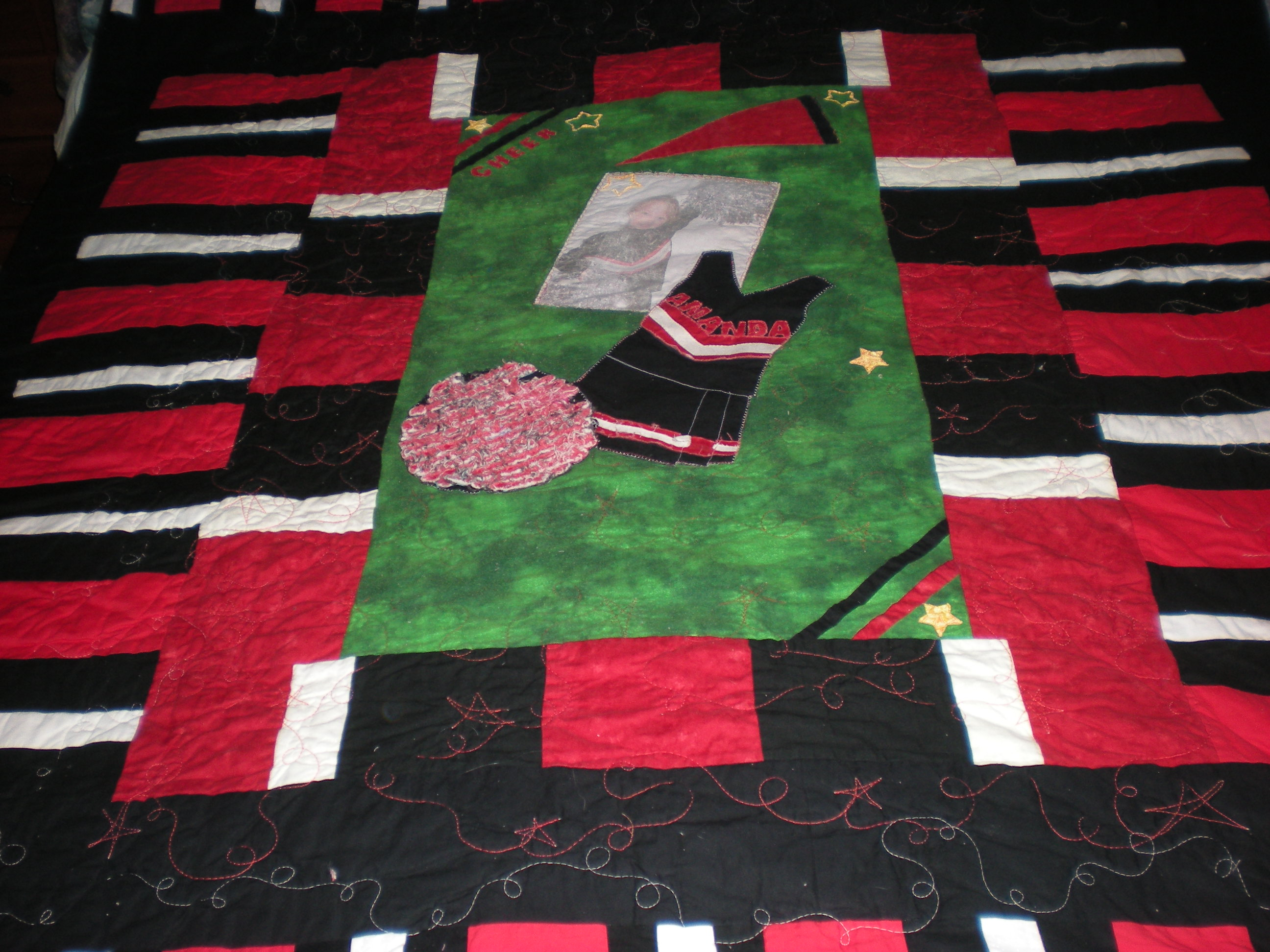 Name:  detail cheer quilt.JPG