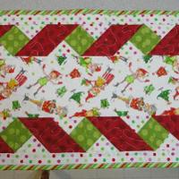 Name:  Chrismas table runner with ribbon.jpg