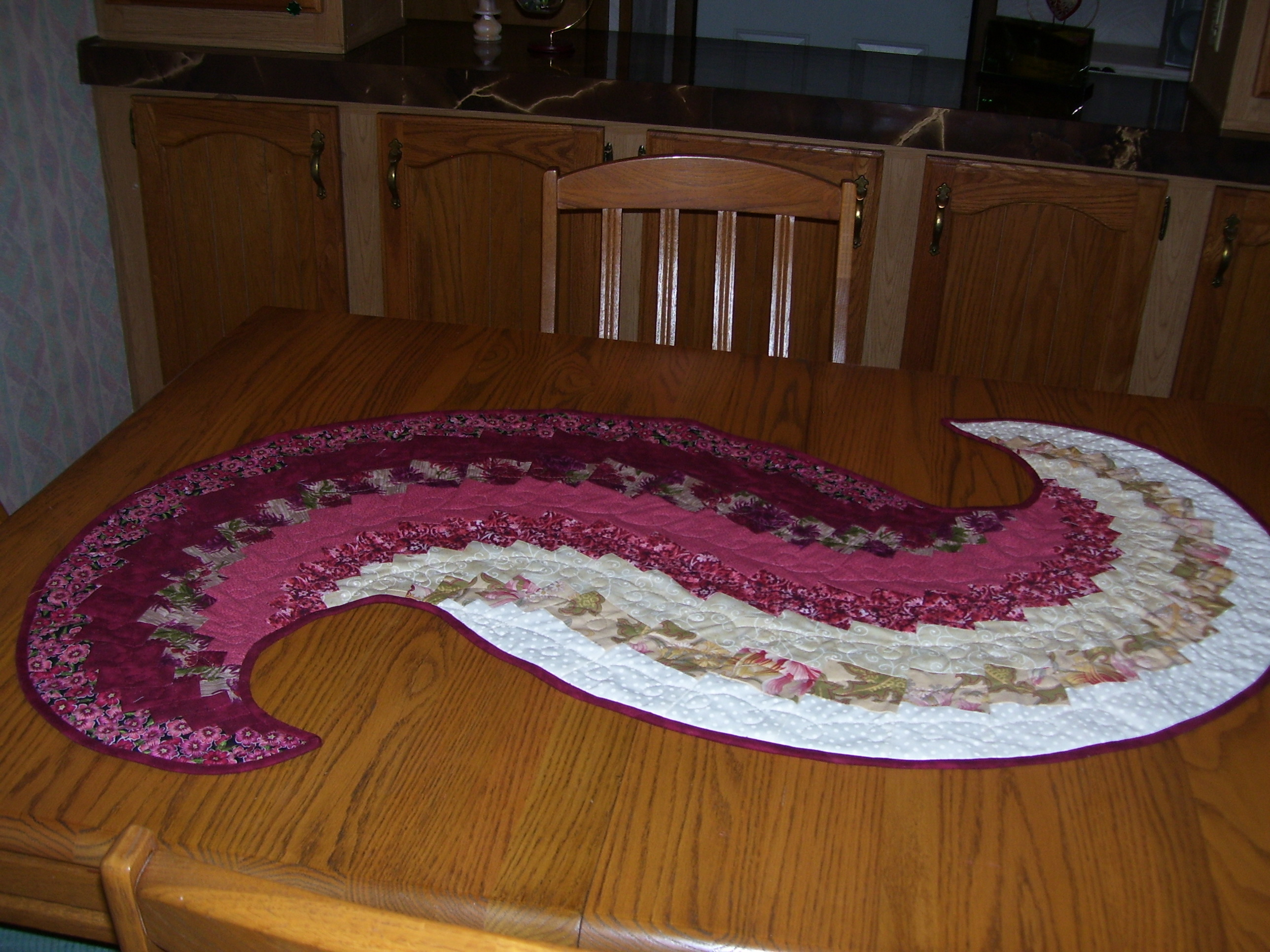 Don Thornton Cadillac >> Quilting Ideas for Spiral Table Runners?