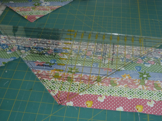 Name:  cutting large triangles.jpg Views: 4655 Size:  194.7 KB