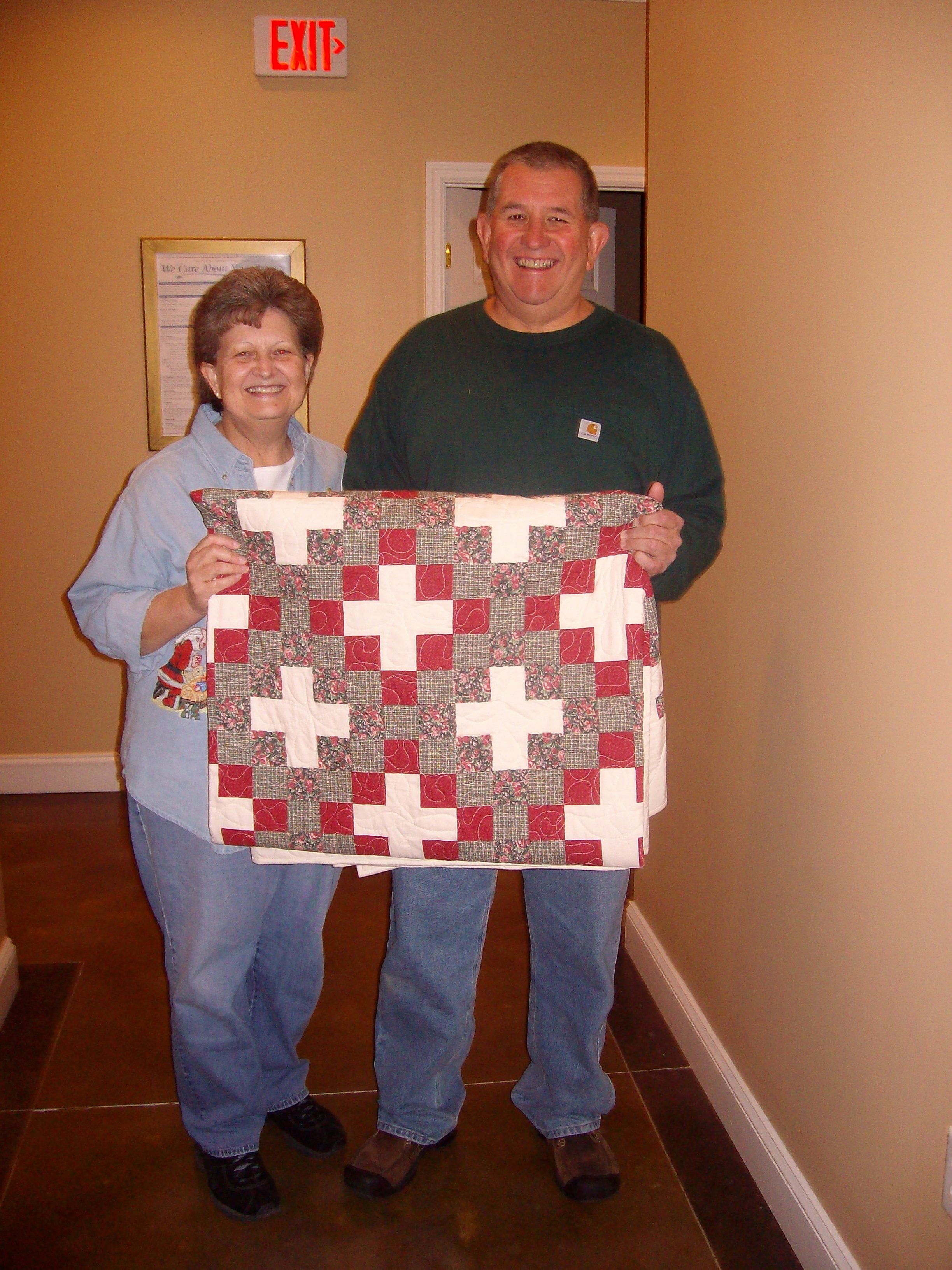 Name:  TimwonDebbiesQuilt001.jpg
