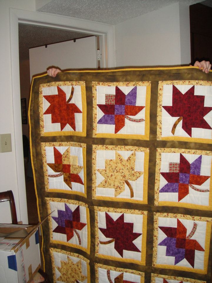 Name:  Autumn Leaves Quilt - front side.jpg