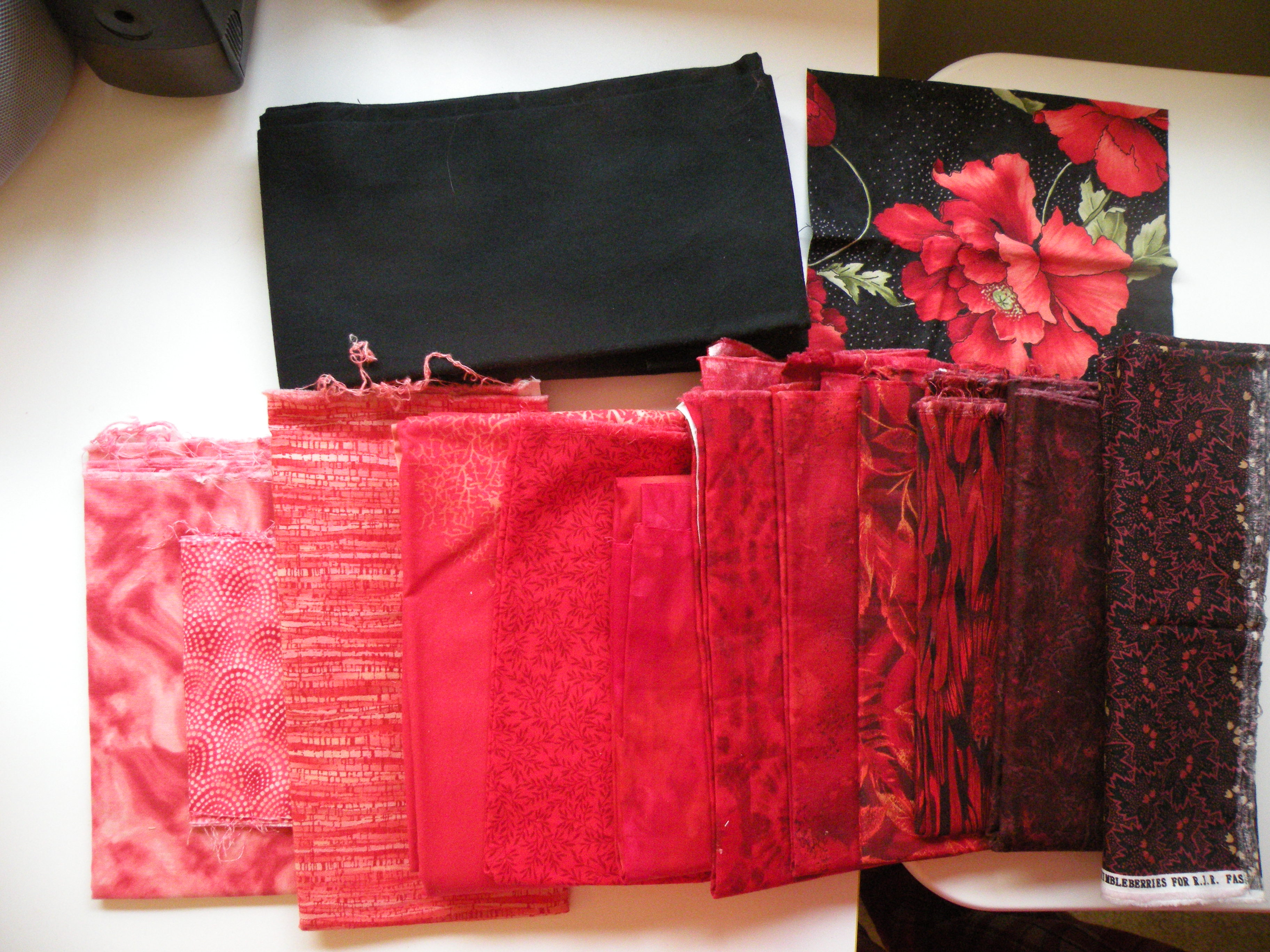 Name:  red table runner.jpg