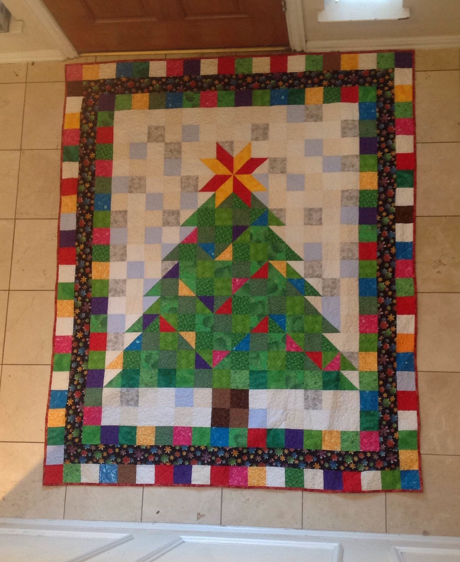 Name:  Christmas Tree quilt 2013.jpg