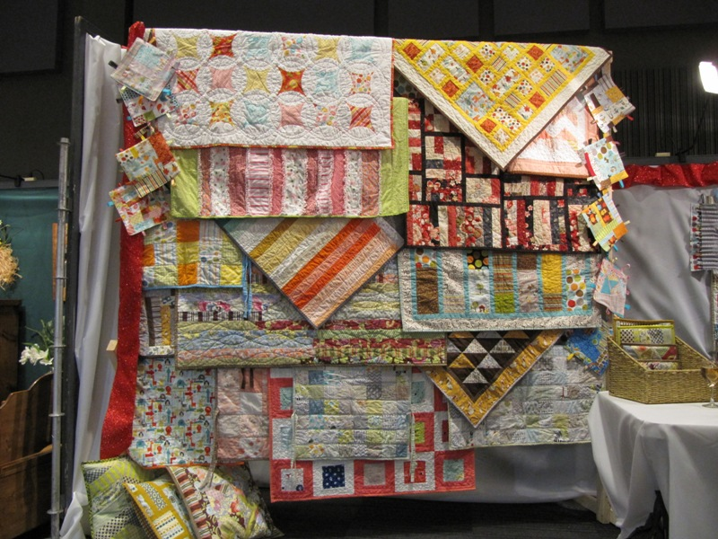 Ideas For Displaying Small Quilt At A Craft Fair Space Without Wall Quiltingboard Forums