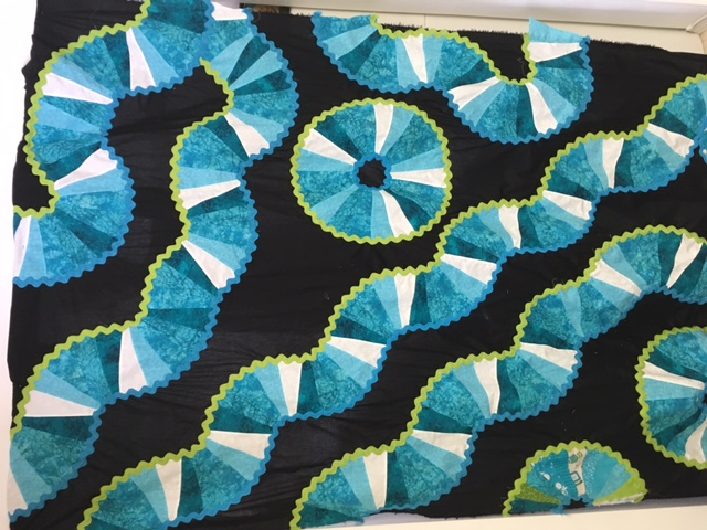 Name:  quilt - Trails and Circles.JPG Views: 1346 Size:  153.0 KB