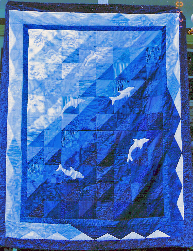 Name:  Dolphin Quilt - whole pic.JPG Views: 1975 Size:  340.1 KB