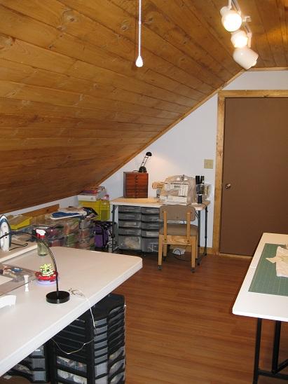 Name:  Sewingroom_3.jpe Views: 842 Size:  103.1 KB