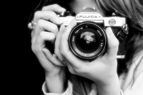 Name:  camera,random,camara,cool,black,and,white,girl-cf297f0c546e9a117b80105b0247b980_h.jpg Views: 111 Size:  30.5 KB