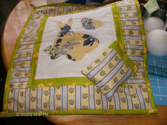 Name:  005   June Doll Quilt.jpg