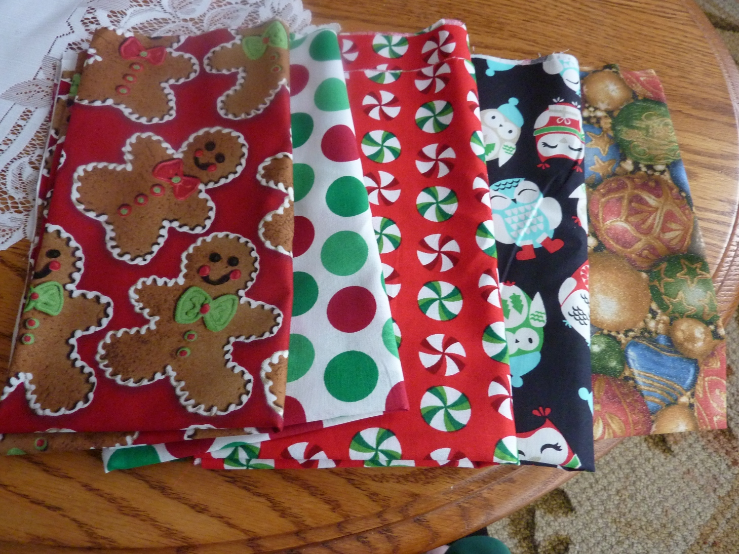 Name:  Xmas Fat Quarters.jpg