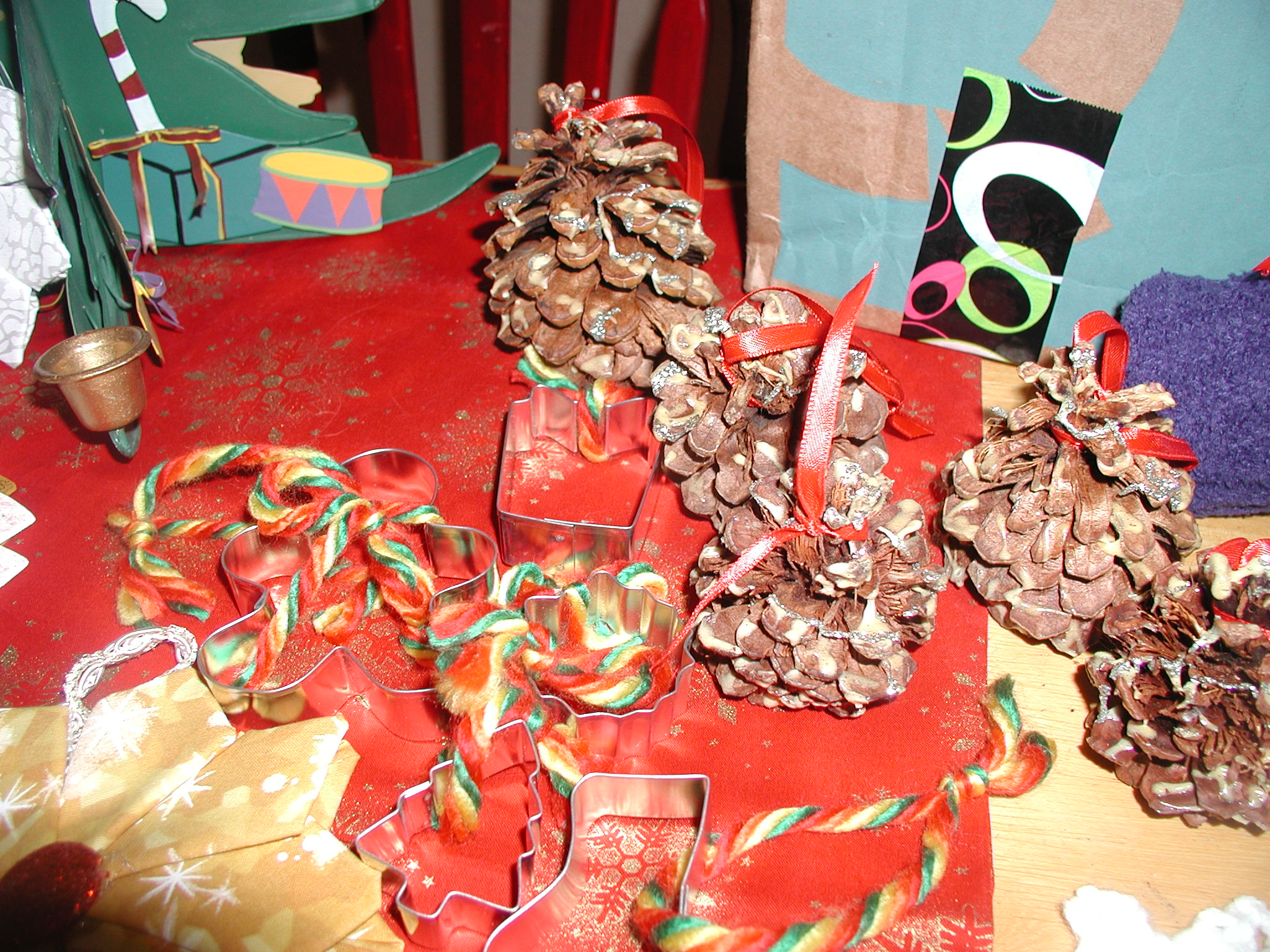 Name:  senior ornaments pine cones.jpg Views: 194 Size:  705.4 KB