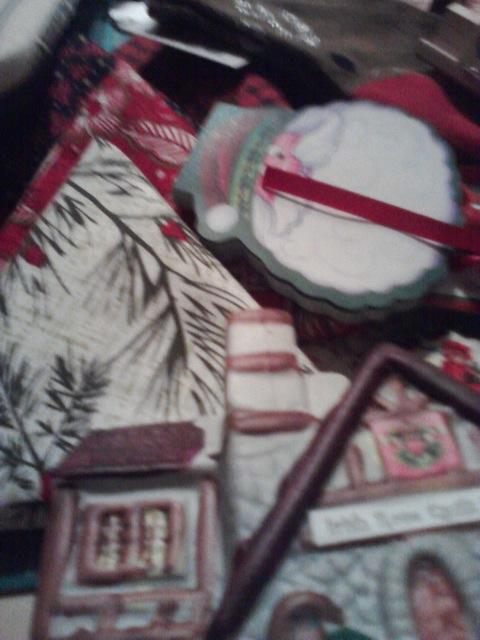 Name:  secret santa box-view 2.jpg Views: 230 Size:  82.6 KB