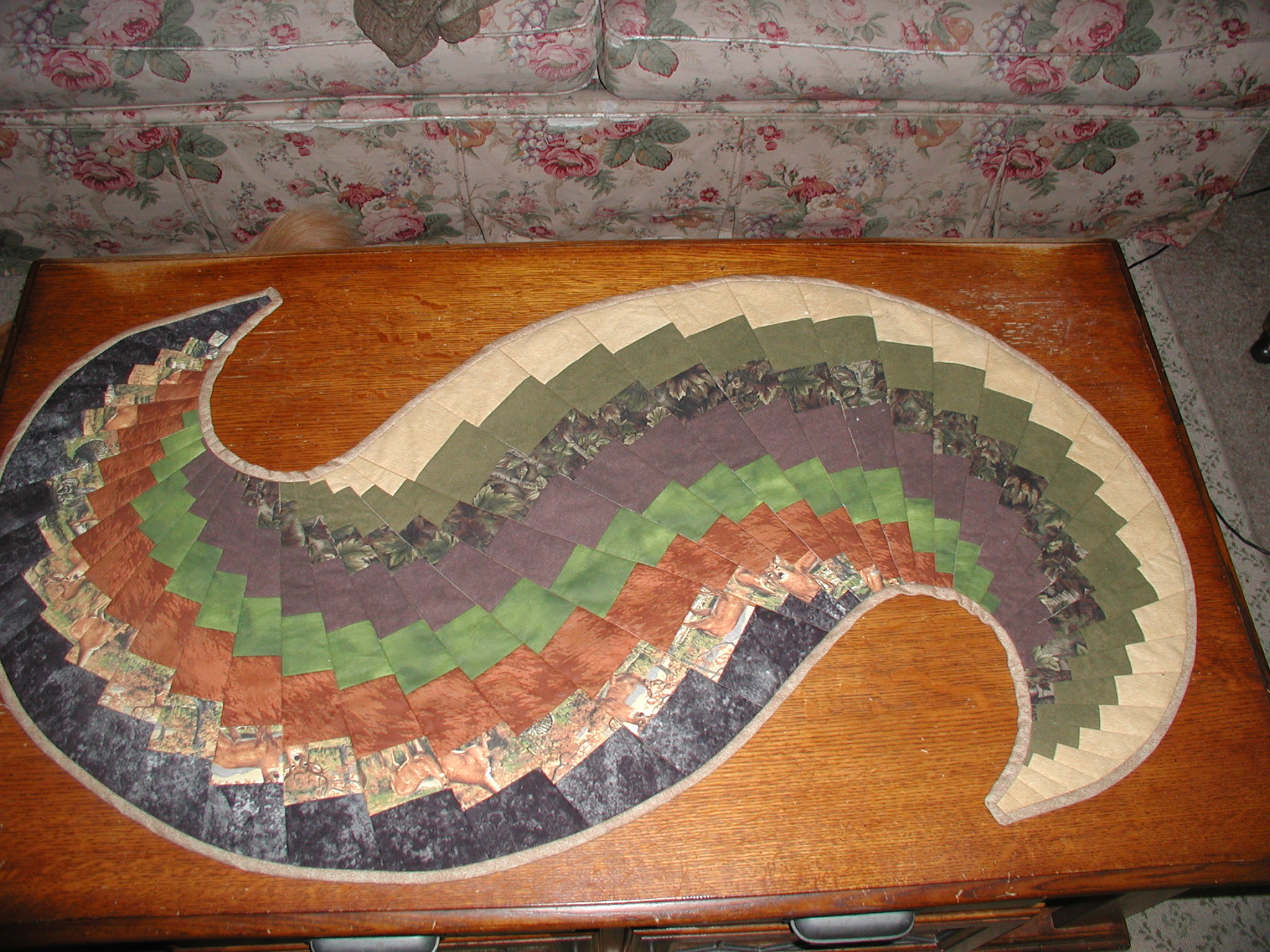 Name:  jans table runner.jpg