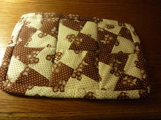 Name:  Mug rugs 002.jpg Views: 305 Size:  178.7 KB