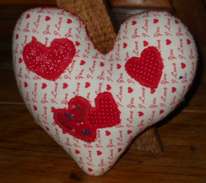 Name:  Appliqued hearts 002.jpg
