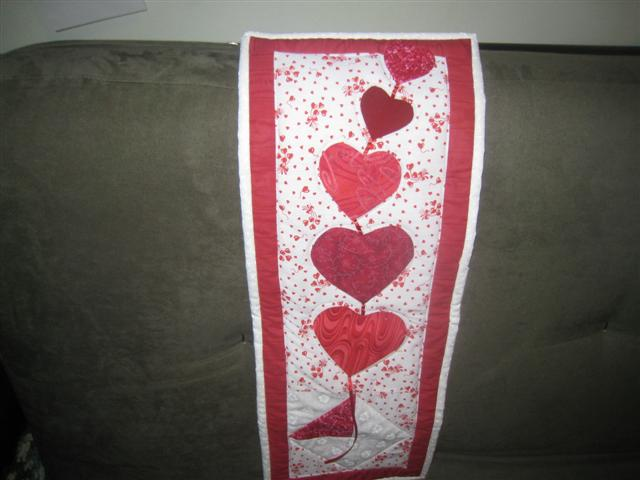 Name:  Heart wallhanging 002 (Small).jpg
