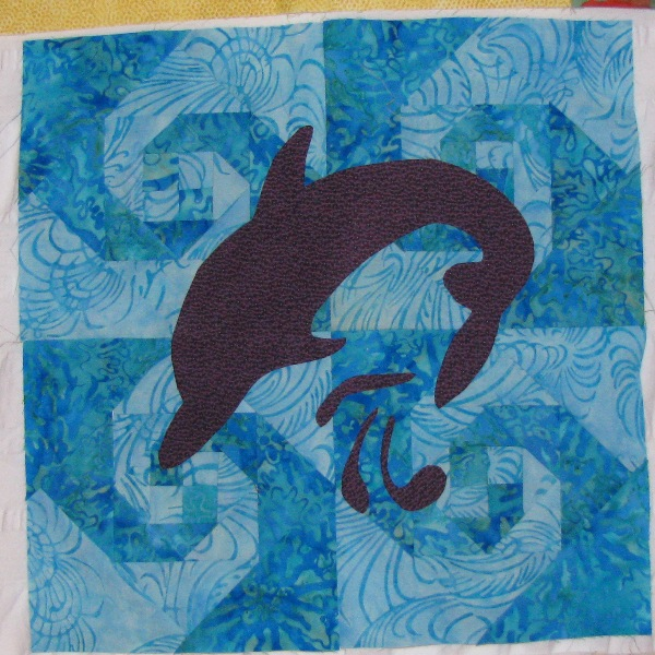Name:  Dolphin Applique Block.jpg