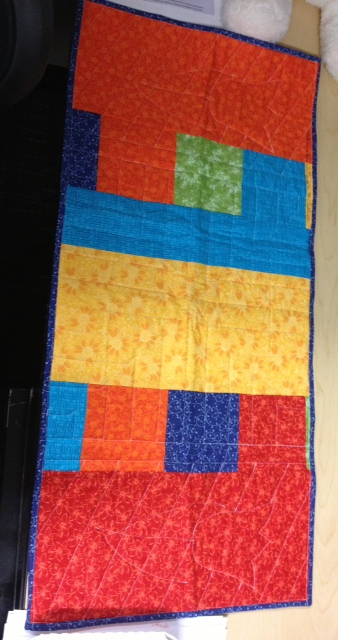 Name:  letsquilt table runner back.jpeg