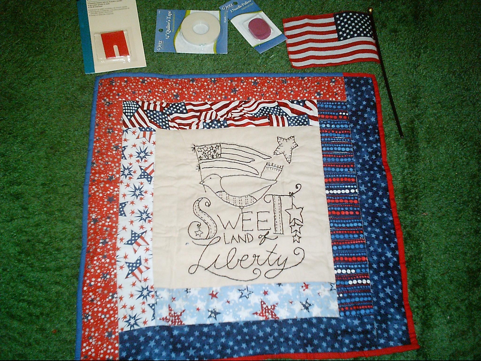 Name:  Sweet Liberty mini and goodies from Sistah Debbra for June 2013.JPG Views: 110 Size:  944.9 KB