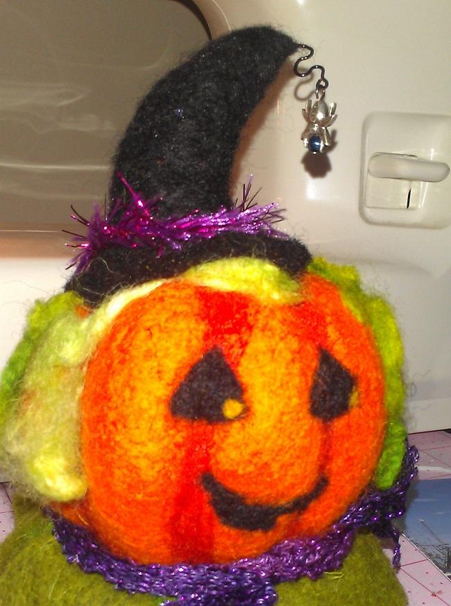 Name:  Oct 13 pc swap - pumpkin closeup.jpg Views: 73 Size:  190.4 KB